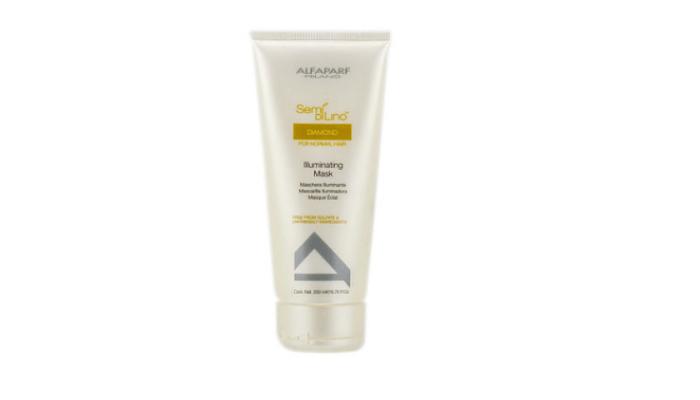 1. AlfaParf Semi Di Lino Máscara Iluminadora de Diamante (para cabello normal)