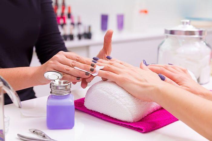 Cómo Pintarse Las Uñas Con Esmalte. 21 Consejos Importantes 17
